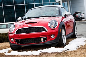 mini cooper recall, product liability lawyers toronto, ontario car accident law firm, defective product law suit, toronto consumer safety lawyers