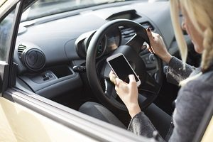 distracted driving lawyers toronto, distracted driving accident law firm ontario, stop distracted driving, texting and driving, texting and driving lawyers